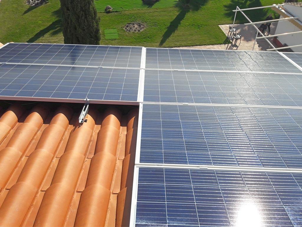 placas-solares-residencia-de-mayores